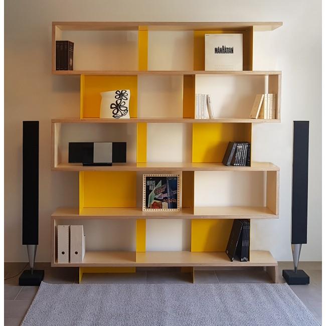 Bibliothèque bois multiplis et métal jaune largeur 2,1m hauteur 1,85 m